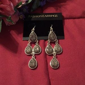 4/$30- New Erica Lyons Beautiful Dangle Earrings